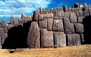 Construcciones ciclópeas en Peru