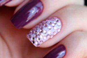 Tipos de piedras para decorar uñas